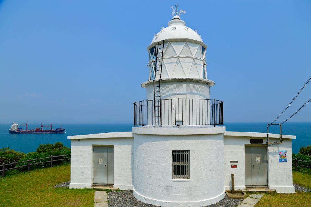 """関門海峡を照らす""""九州最古""""の洋式灯台"""