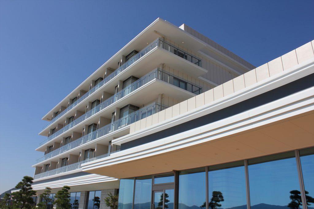 海峡を一望できるホテル(2)